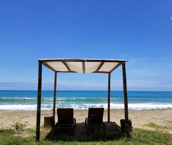 Beautiful Spacious Beach Eco Cabana with Kitchen