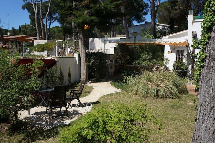 2 Wohnungen jeweils eigener Garten,5 Min.zum Meer - L'Escala - Appartement