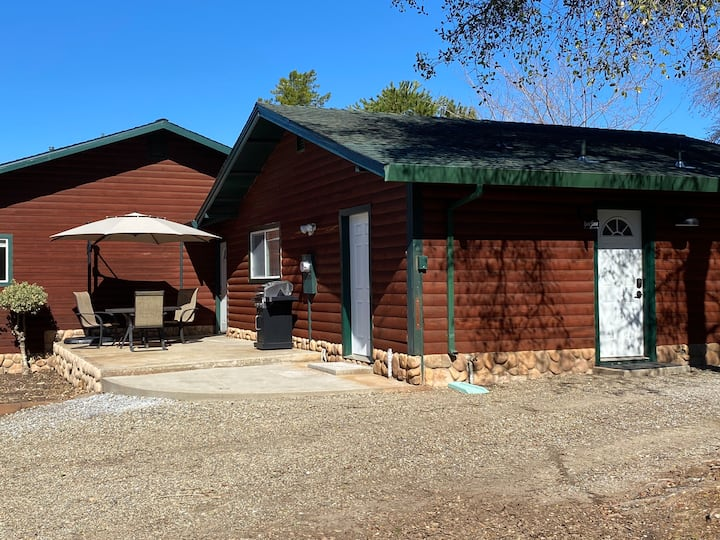 The Guesthouse At Little Mountain Stables
