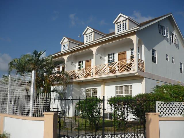 Sun N' Sea Apartments Barbados