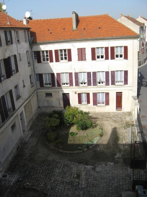 Gonesse room near roissy airport apartments for rent for Buro rent garges les gonesse