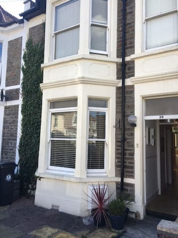 Beautiful large room, central location. Fishponds - Bristol - Talo