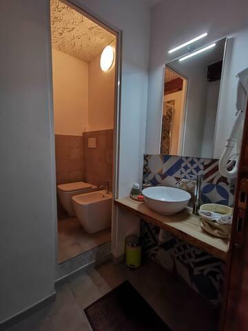 Bathroom green room