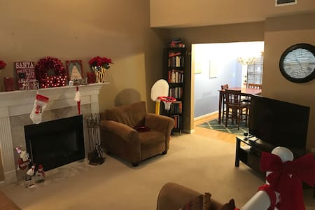Cozy Home 15 minutes from Downtown - Indianapolis