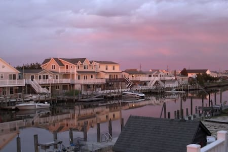 Waterfront Home, 3BR near LBI & AC - Tuckerton