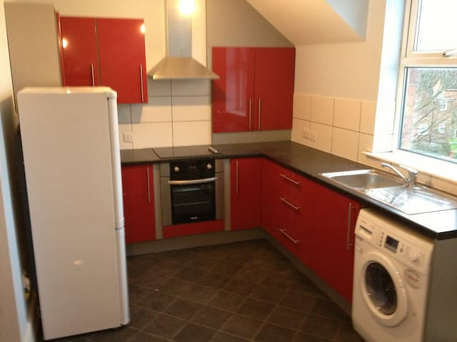 Recently Refurbished Fallowfield 1 Bed Apartment - Manchester - Apartment