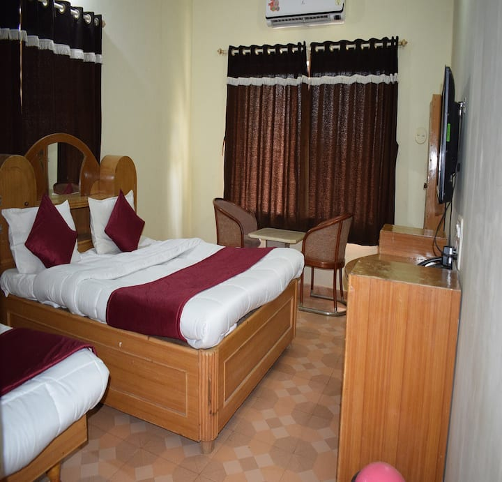 Rooms in Saputara