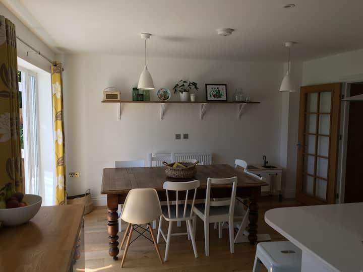 Bright, spacious Holybourne home, Hampshire