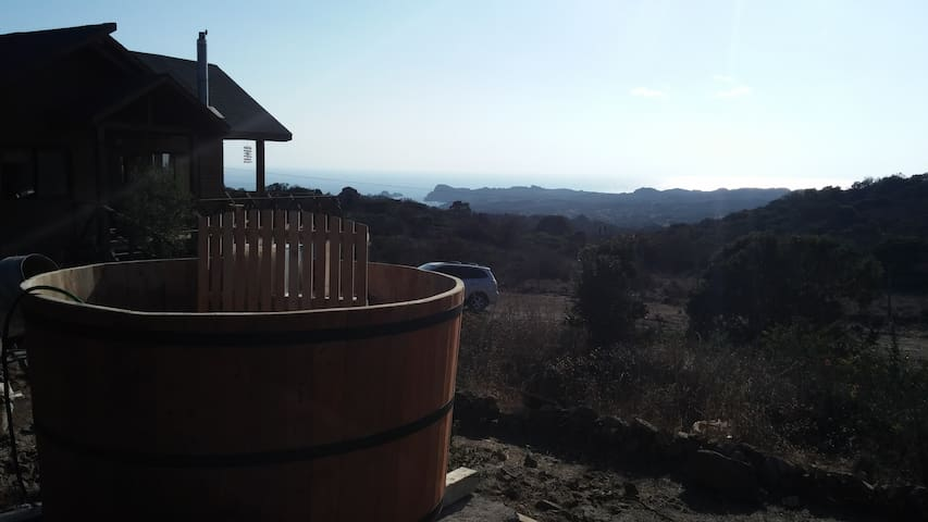 Amazing view from beautiful log cab - Los Molles - Cabin