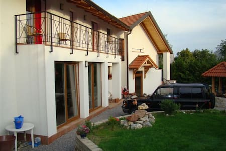 Pension Charlie Prague ,,, - Prag - Bed & Breakfast
