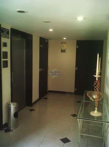 Hall de Entrada com os elevadores