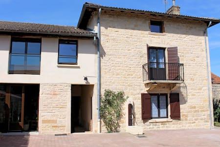 Maison gite 5 pers. Lyon/Beaujolais - Casa