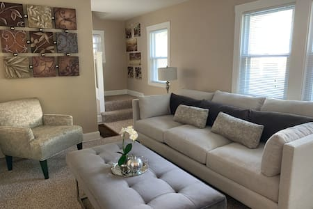 Stylish&Modern Apartment Near Fort Drum Watertown