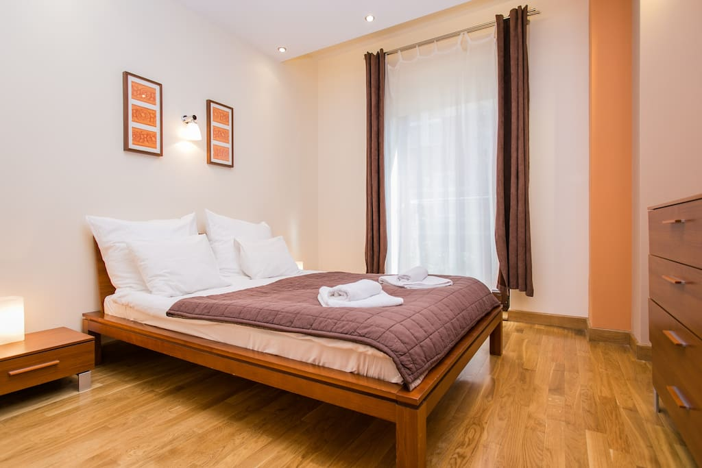 Bedroom, with a double bed ideal for 2 people