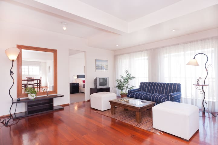 RECOLETA 2bd-80m2 with a View!