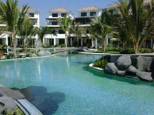 Entire Villa en Condominio Los Cabos, Monterrico.
