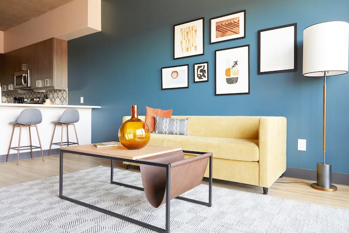 Sonder | Mill Suites | Eclectic 1BR + Pool