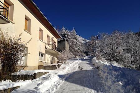 Maison à la montagne - Seyne