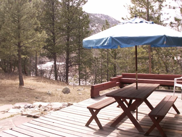Poudre River Cabin Hideaway~ On The River! - Larimer County - Kabin