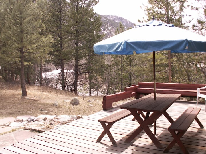 Poudre River Cabin Hideaway~ On The River!