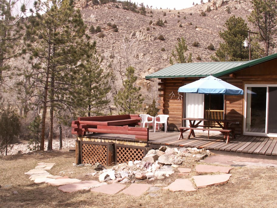 Poudre river cabin hideaway on the river cabins for for Cabin rentals near fort collins colorado