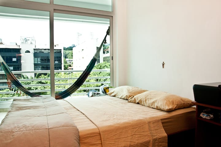 Las Mercedes Apt with Top Security