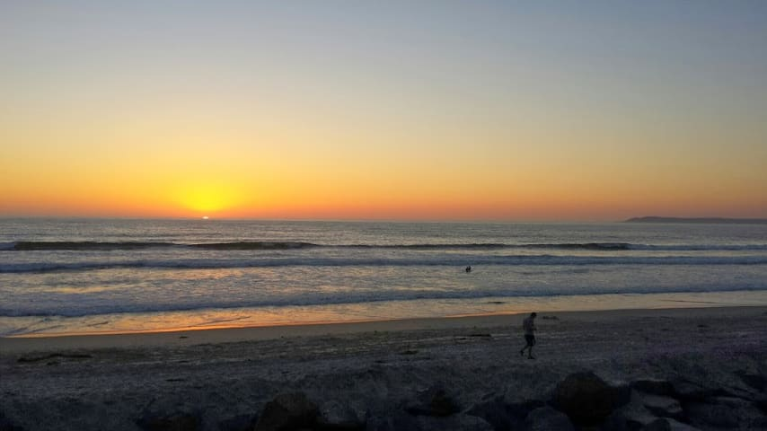 Beachfront living at its best! - Imperial Beach - Appartement