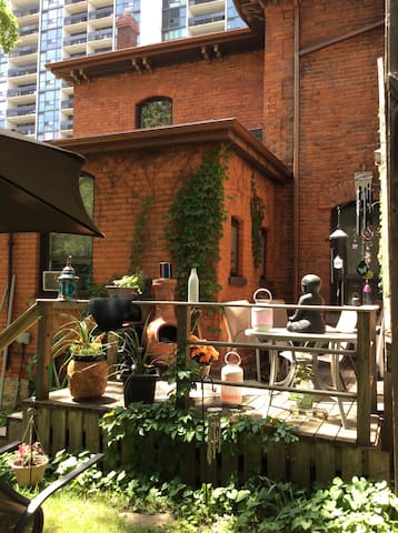 CENTURY HOME with SPACIOUS APARTMENT!