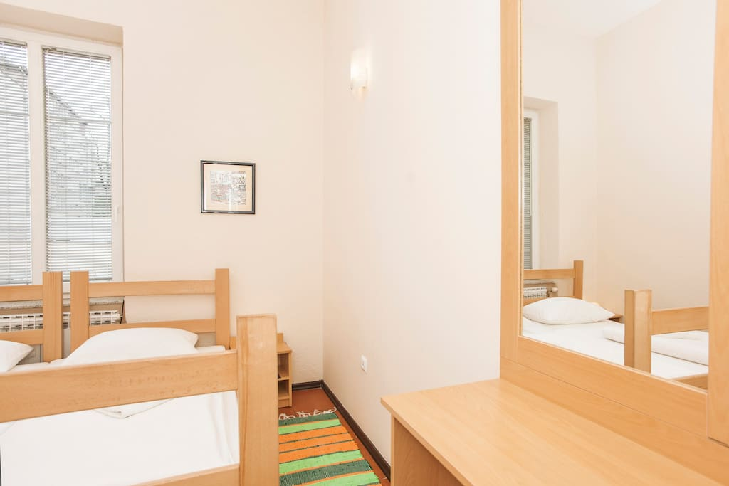Markale-room A,private bath,1-2 ppl