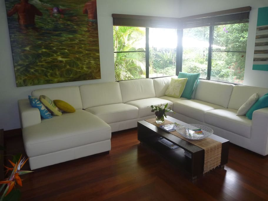 Great movie viewing spot or read & enjoy the view of the gardens