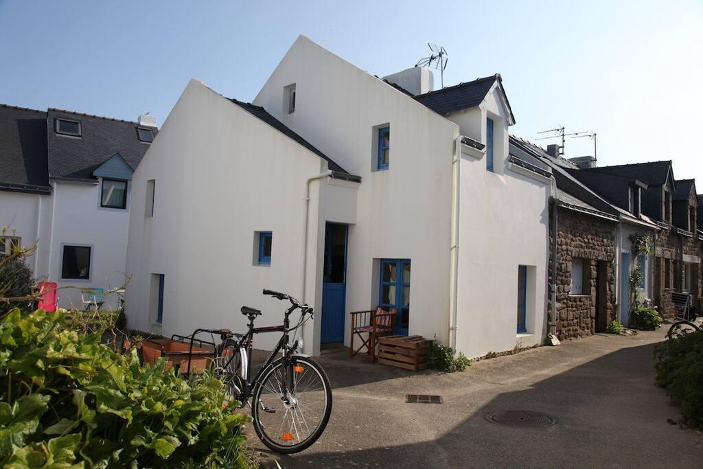 maison de p cheur houses for rent in houat brittany france. Black Bedroom Furniture Sets. Home Design Ideas