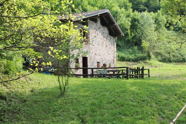 Idyllic river cottage near Idro