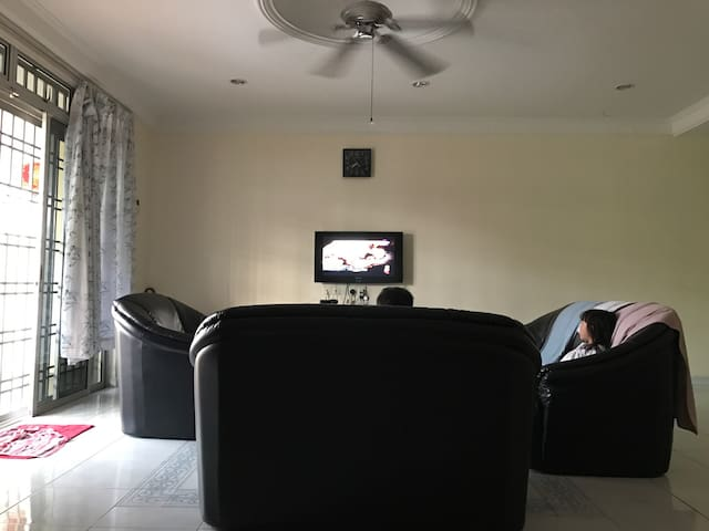 Large Terrace House with 3BD rooms - Kluang - Ház