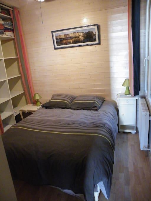 Une des chambres avec dressing