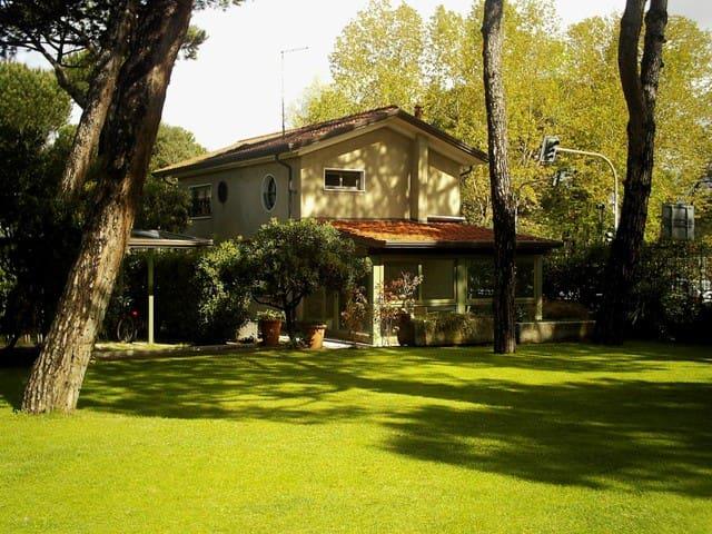 Casa nel parco delle Terme della Versilia