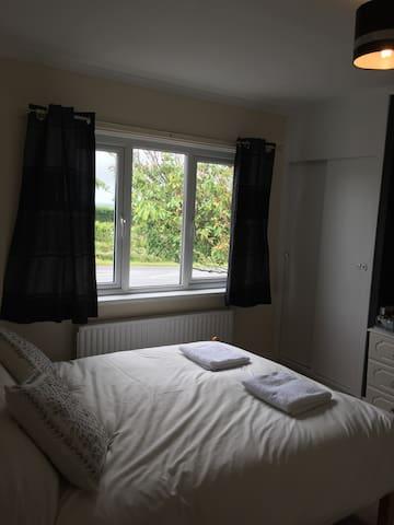 Pot + kettle bistro + guest house room 5