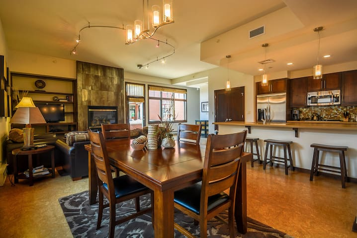 Luxury Condo in the ♥ of Downtown | Prime Mtn Views from Patio! | Elegant Decor