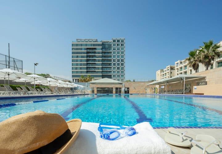 Aparthotel Okeanos ★ 2 BR Apt. With Sea View ★!