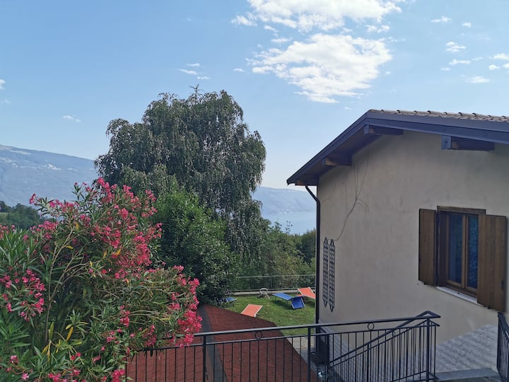 HOLIDAY HOUSE LAKE GARDA- IDEAL FOR YOUR FAMILY HOLIDAY