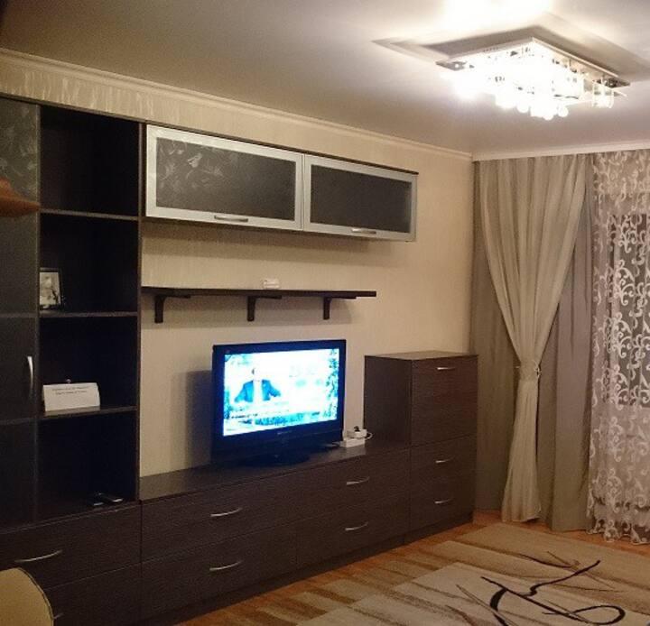 Ложевая 130, 3-х комнатная квартира