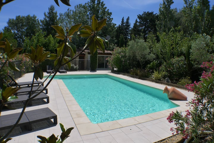 Villa de charme spacieuse climatisée avec piscine