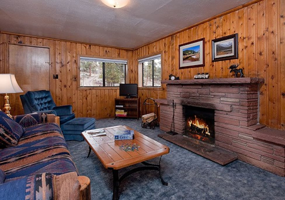 3 Bedroom Cabin with Large Hot Tub - Cabins for Rent in ...
