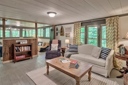 Mountain Riverfront Cabin
