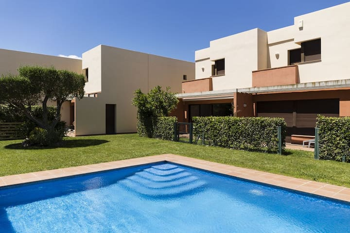 Nice house next to Empúries beaches with air conditioning and swimming pool