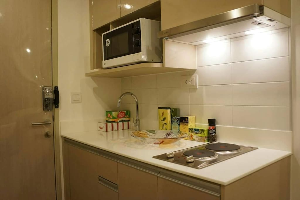 Room for Rent, City Area, 5,mins to MRT, 1 Bedroom, 33.06 sqm.  *Some decorations are not included