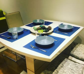 Downtown luxury apartment 50m2,WiFi - 아파트
