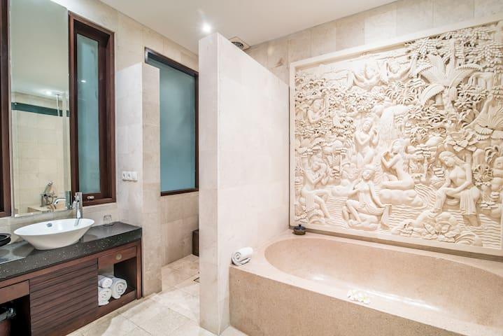 PANDAWA BEACH CLIFF FRONT LUXURY VILLA 3 BEDROOMS - 庫塔 - 別墅