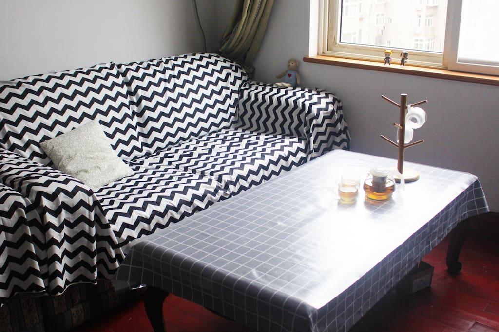 客厅沙发,茶几,茶壶
