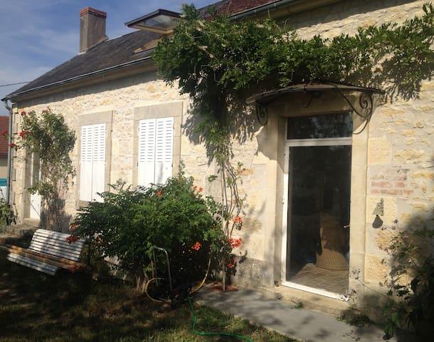 Notre maison d'artistes en Bourgogne! - Chasnay