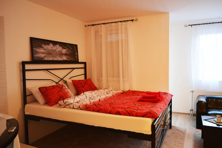 Jacuzzi apartment - Novi Sad - Apartamento